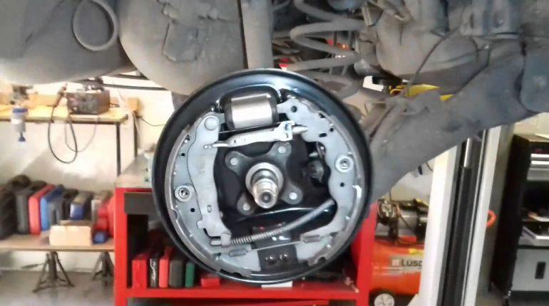 talleres mecánicos para reparar frenos en La Llosa